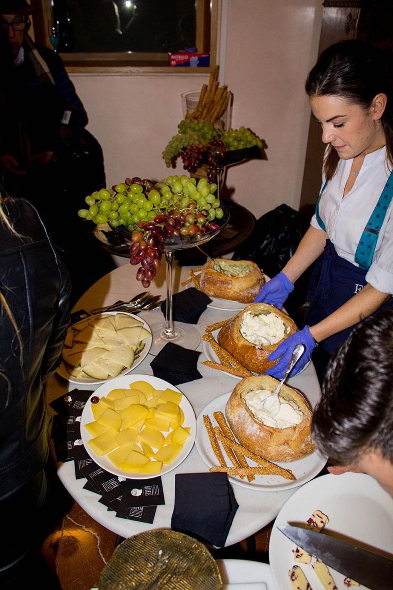 Restaurante-Flavia-Quesos-y-uvas - Madeincandela