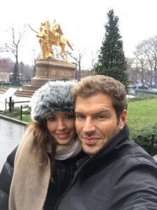 Darek y su novia Candela Gomez NYC Turismo