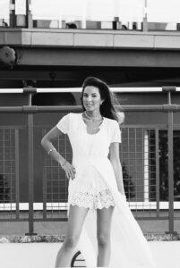 Terraza con piscina Hotel emperador - Candela Gomez
