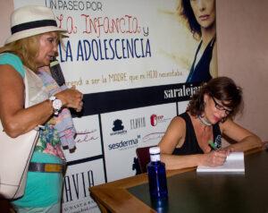 Alejandra-grepi--firma-libro-síndrome-de-Tourette