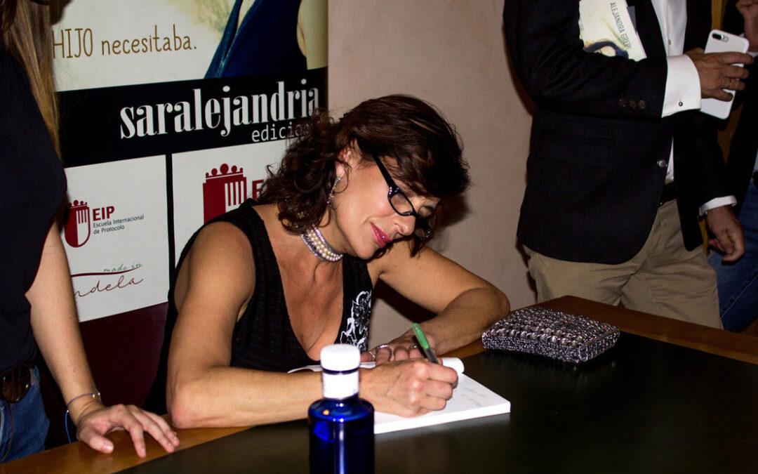 Alejandra Grepi Presenta el libro Un paseo por la infancia y la adolescencia