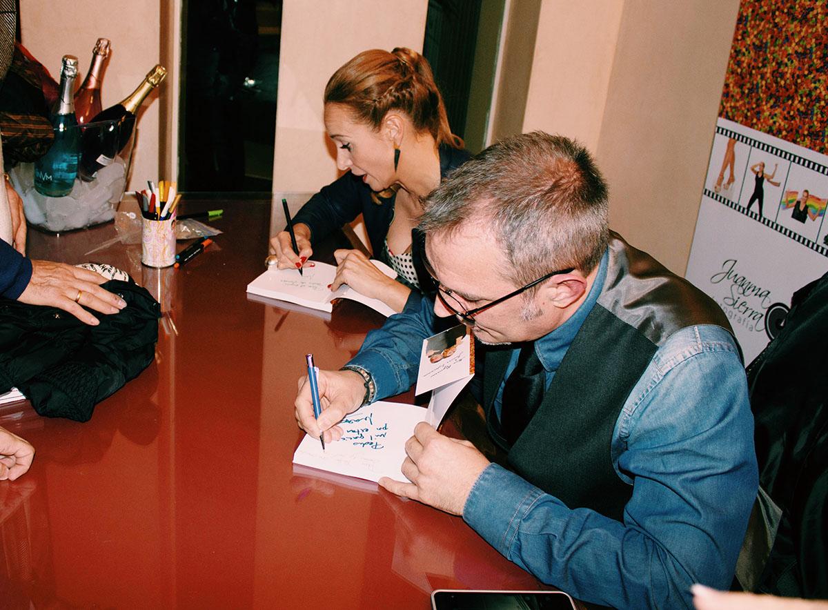 Mar-regueras-y-Javier-espinosa-presentan-libro-el-amor-2.jpg